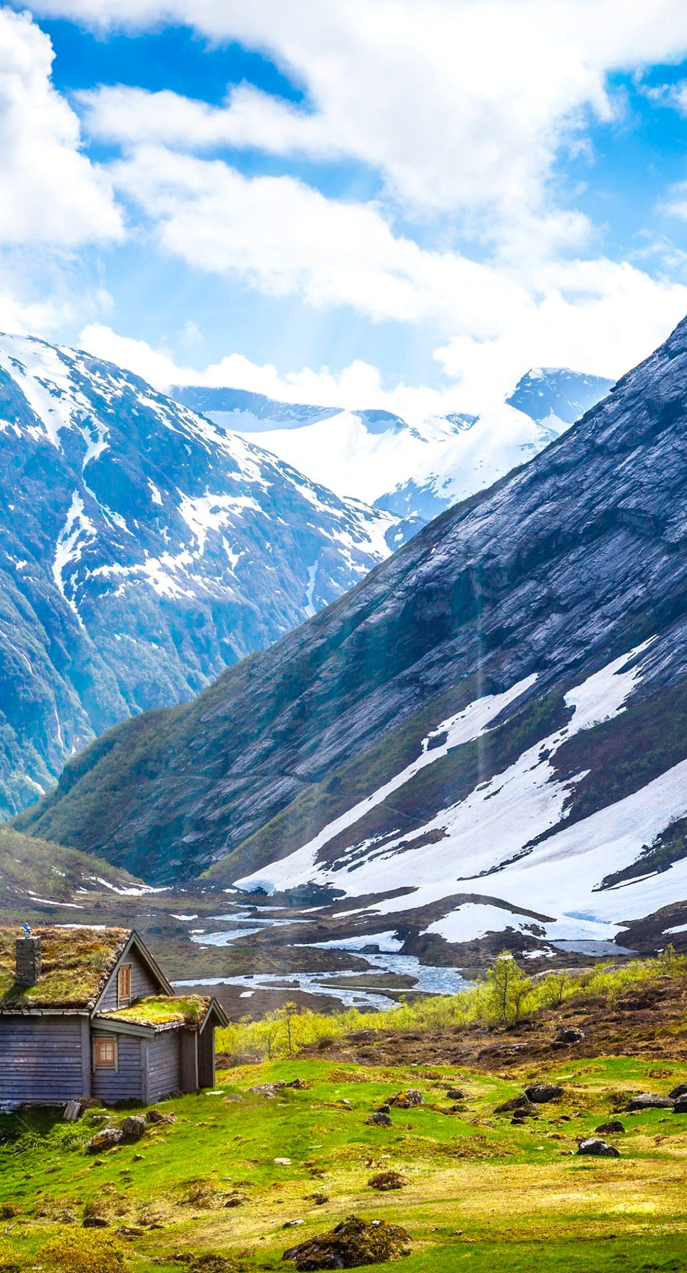 pemandangan padang rumput gunung  wallpaper.sc iPhone8Plus