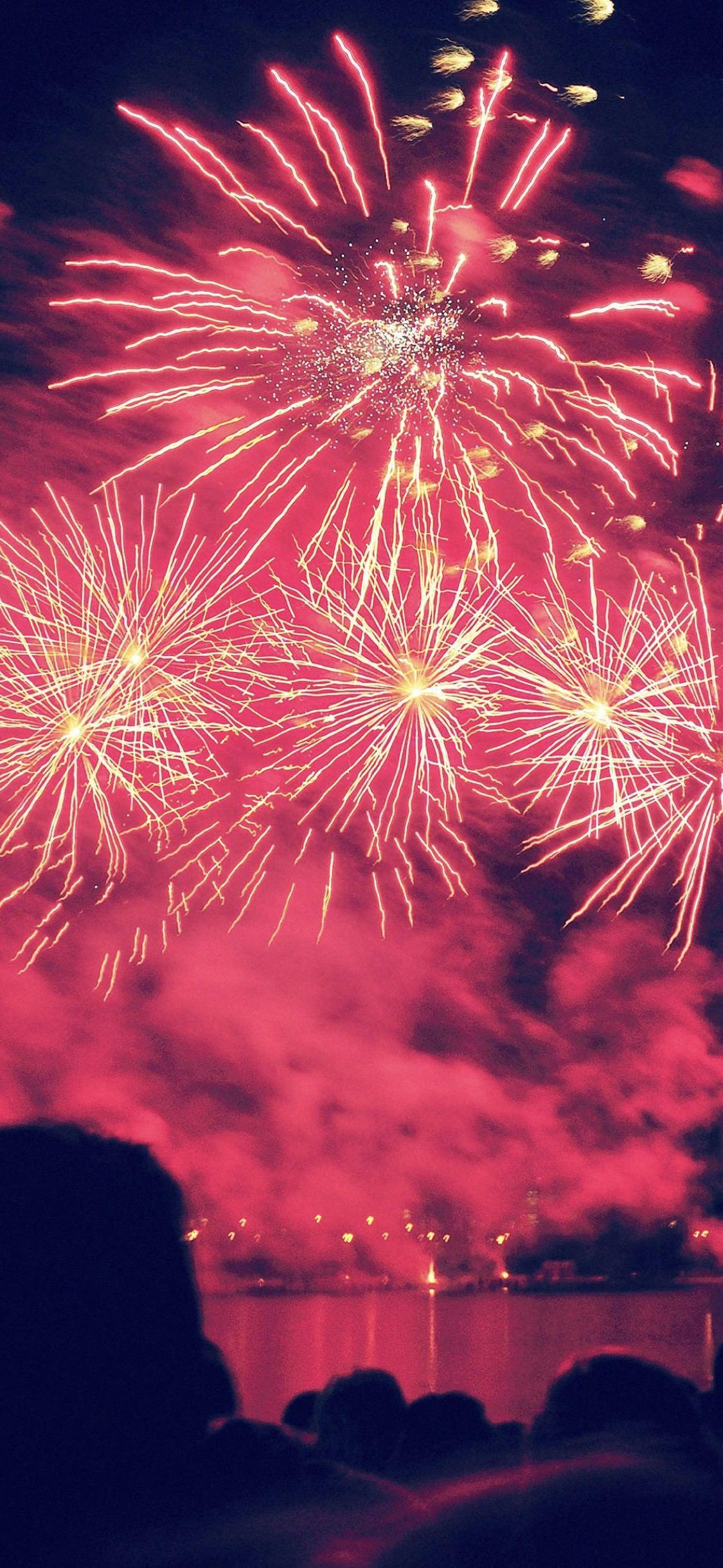 Pemandangan Merah Kembang Api Wallpapersc IPhoneX